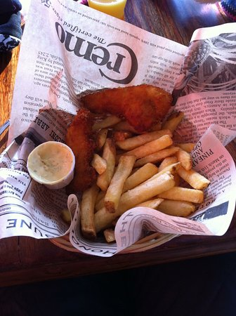 Chicken basket and chips