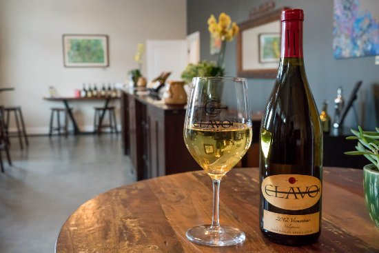 Templeton, CA: Clavo Cellars white wines are a must try!