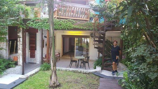 Livian Guesthouse: Dal giardino