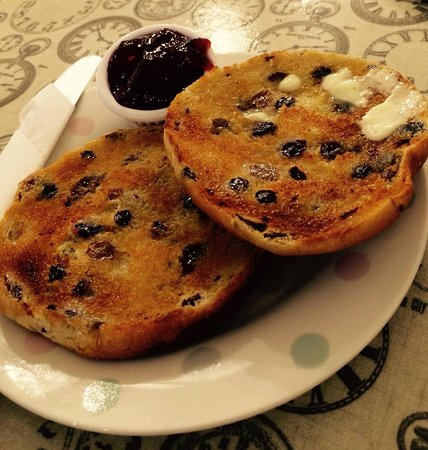 Caldicot, UK: Donnie's Toasted TeaCake with Butter & Jam