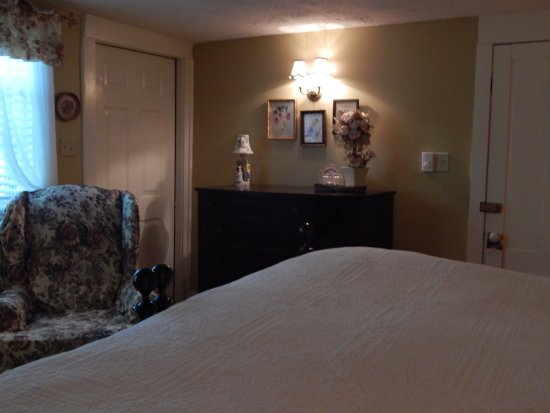 Warner, Nueva Hampshire: First floor king or twin room with adjancent private bath in hall