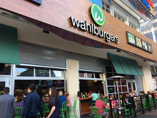 Wallburger Köln wahlburgers las vegas restaurant bewertungen telefonnummer