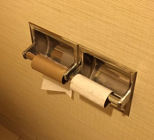 Fairfield Inn & Suites Chambersburg: no TP