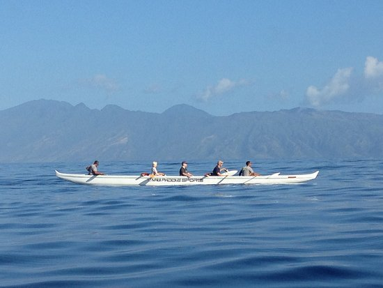 Maui Paddle Sports: So scenic! That's the island of Moloka'i in the background.