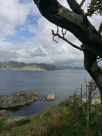 Farsund, Norway: Flott intakt kanonstilling mot øya hidra og spennende tur gjennom hule i fjellet flere kanonstil