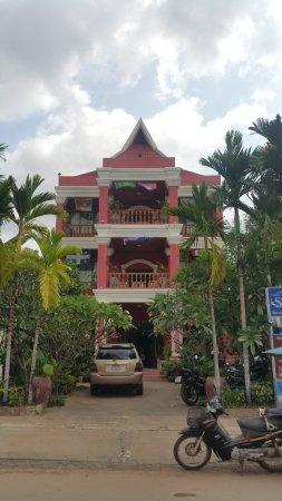 Zdjęcie Sidewalk Never Die Hotel Siem Reap