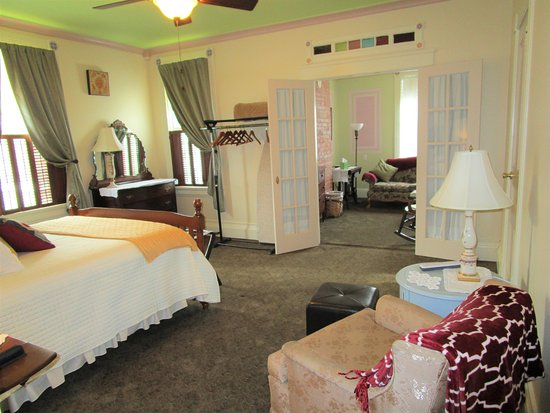 Sherburne, NY: Room #4. Has a connecting private living room with daybed.