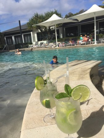 RACV Noosa Resort: Great cocktails by the pool 🍹🍹🍹