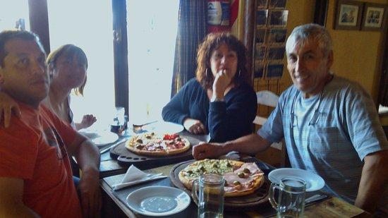 La Braseria: Muy ricas pizzas
