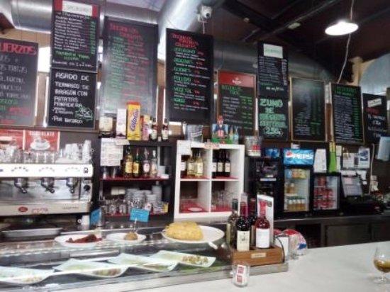 La Muela, Spain: Barra restaurante