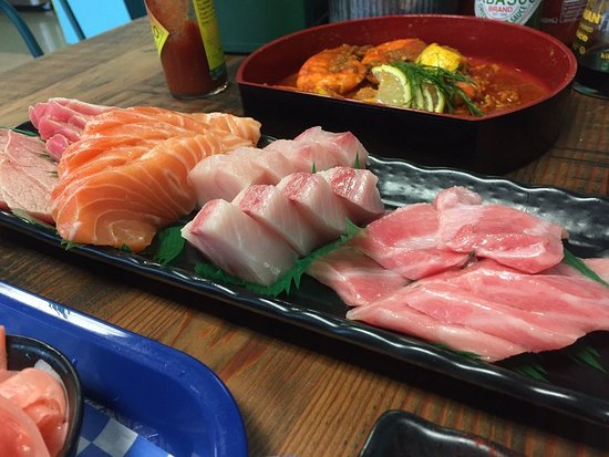how to cut fish for sashimi