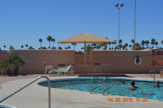Mesa Spirit RV Resort: Main pool area - there is an adult only pool, and one for adults and their children