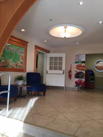 Quality Inn & Suites at Binghamton University : in site restaurant