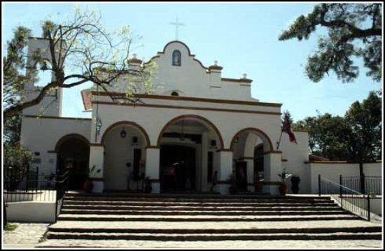 San Lorenzo, Argentina: Fachada de la iglesia