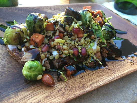 Onyx Bar & Lounge at Four Seasons Resort Scottsdale at Troon North: Lick the Plate Clean Fall Vegetable Tartine