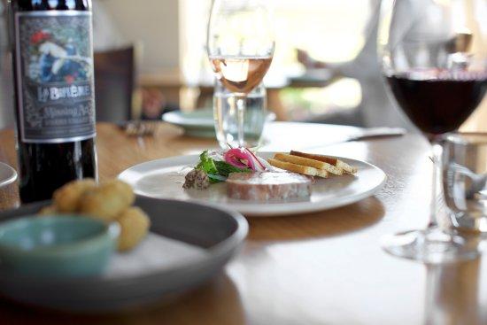 Dixons Creek, Avustralya: Delicious cuisine and delectable wine