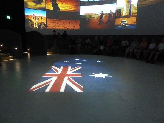 Tjapukai Aboriginal Cultural Park: Theatre Story