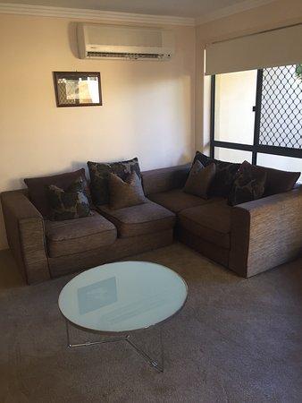 Grange Resort Hervey Bay : lounge area