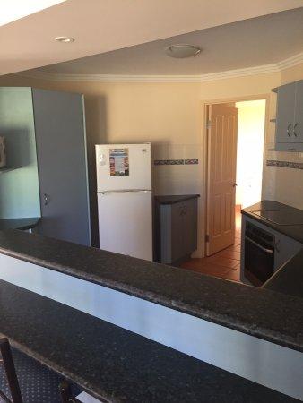 Grange Resort Hervey Bay : kitchen
