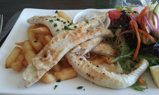 The Ritz: Grilled Flathead with chips and salad
