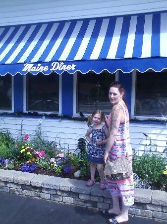 Anchorage Inn: Maine Diner, 20 min ride, the best!!!