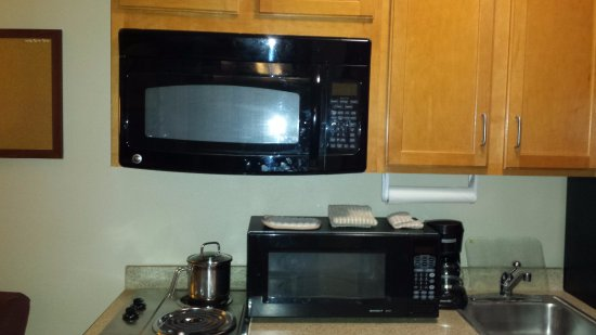 Candlewood Suites Killeen - Fort Hood Area: Two microwaves, but no counter space.