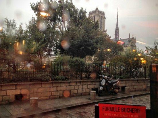 La Bucherie : Llueve París...