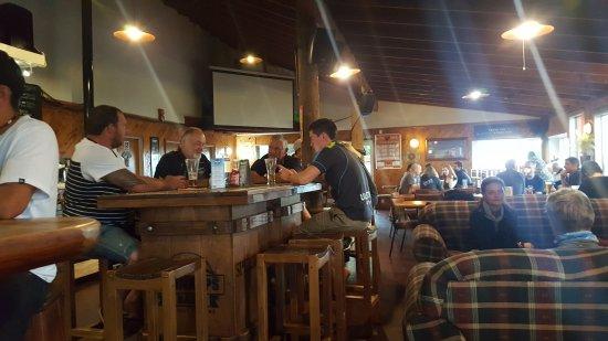 National Park Village, Νέα Ζηλανδία: Bar irlandés