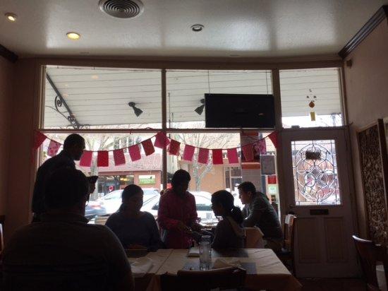 Saratoga, CA: view in restaurant
