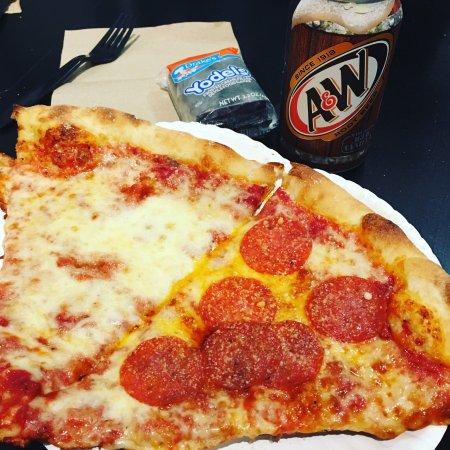 A Slice of New York Pizza: photo0.jpg