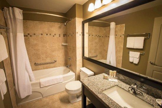 Best Western Plus Baker Street Inn & Convention Centre: Guest Bathroom