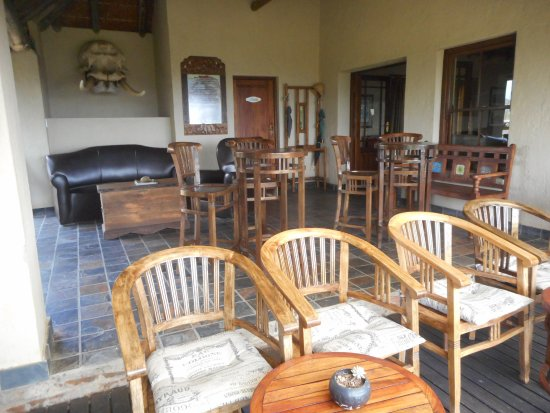 Addo, Sør-Afrika: Drinks on the terrace? Perfect.