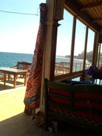 Al Capone Restaurant: Dine on the Red Sea