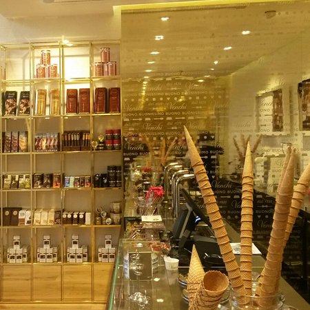 Venchi cioccolato e gelato bologna stazione centrale for Bologna hotel stazione centrale
