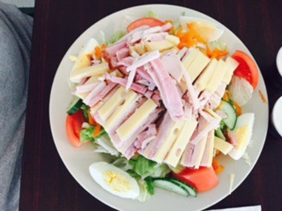 Ossipee, NH: M & M Deli and Grille