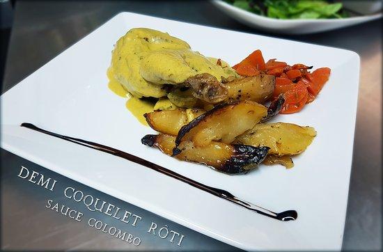 Plat Du Jour Demi Coquelet Roti Sauce Colombo Avec Pommes De