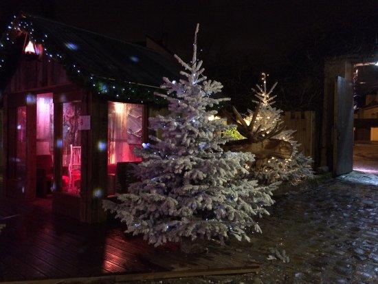 ปาเลโซ, ฝรั่งเศส: La Cabane en hiver