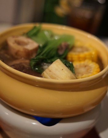 Discovery Country Suites: Verbana Restaurant - Discovery Suites - Tagaytay Bulalo - delicious!