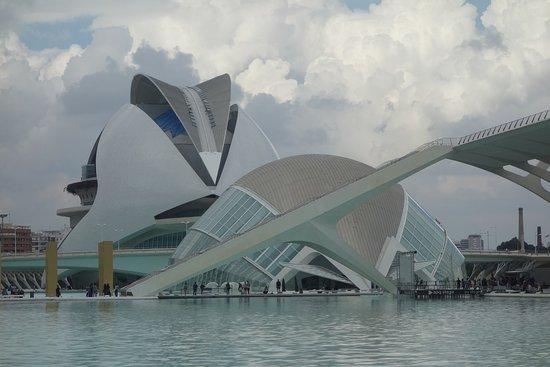 L'Hemisfèric: L´Hemisferic y Palacio de las Artes Ciudad de las Artes y de las Ciencia s