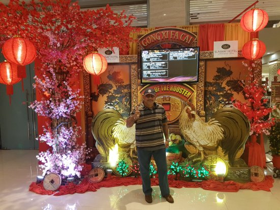 Sunway Hotel Seberang Jaya: The Hotel Lobby ideally decorated for the Chinese New Year 2017 festivities!