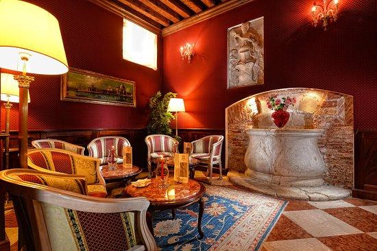 Duodo Palace Hotel Image