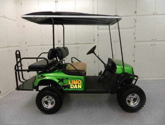Best golf cart rentals in Playa Guones - Review of Limo Dan, Nosara Ezgo Golf Cart Videos Luxury Carts Parked on