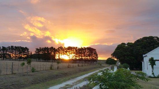 Doornbosch Guest House and Country Cottages : Sonnenuntergang in Doornbosch