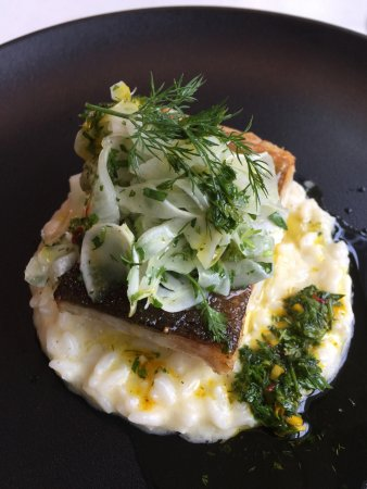 Restaurant Le Murenberg : Gebratener Skrei, Safran Vinaigrette, Zitronenrisotto, Fenchel