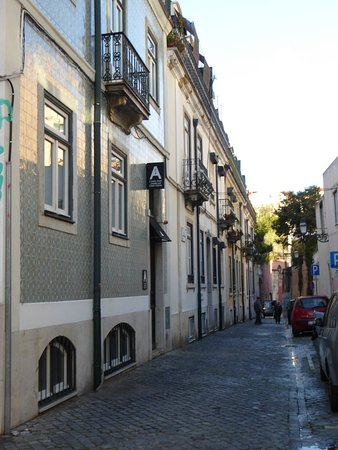 A Casa das Janelas com Vista: Approach to B&B from Rua Nova do Loureiro