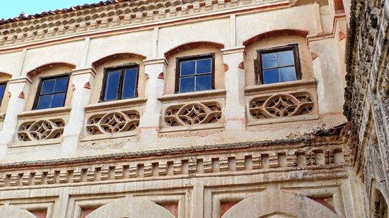 Monasterio de San Antonio El Real: Fachadas del Jardin