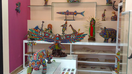 Paquime Gallery: Some interesting Huichol art