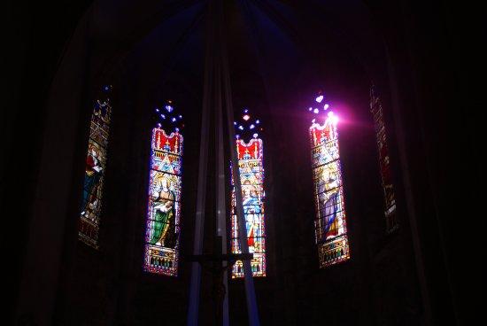 Marcilhac-sur-Cele, France: Les vitraux