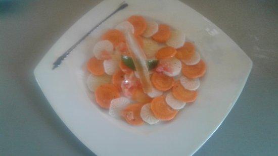 Grand Bourg, Γουαδελούπη: Menu végétarien carpaccio de légumes et tomates farcies légumes confits