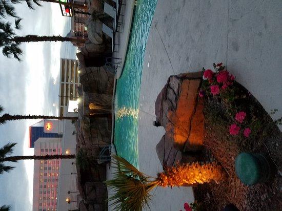 Embassy Suites by Hilton Las Vegas: 20170209_173018_large.jpg